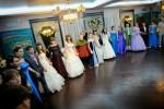 Массовый бальный танец в зале
