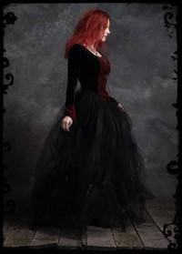 Черно-бардовое платье
