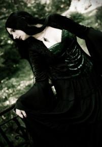 Готическое платье с темно-зеленым корсетом