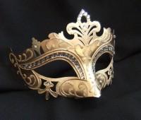Маскарадная маска с узором