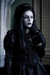 Шикарное черное готическое платье