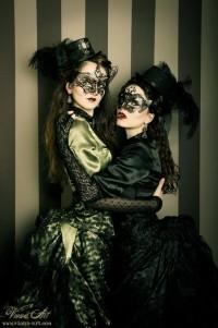 Шикарные готические платья