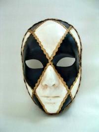 Черно-белая карнавальная маска