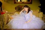 Девушка в светло сиреневом воздушном платье